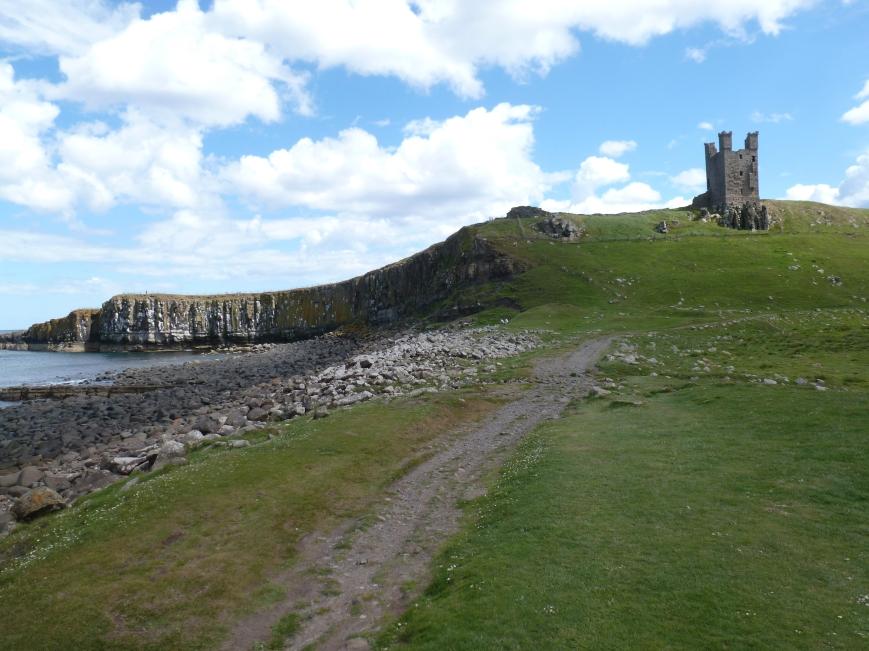 Dunstanburgh Castle 01